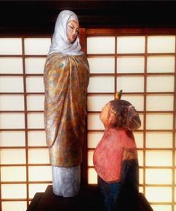 直虎(次郎法師)と虎松の像